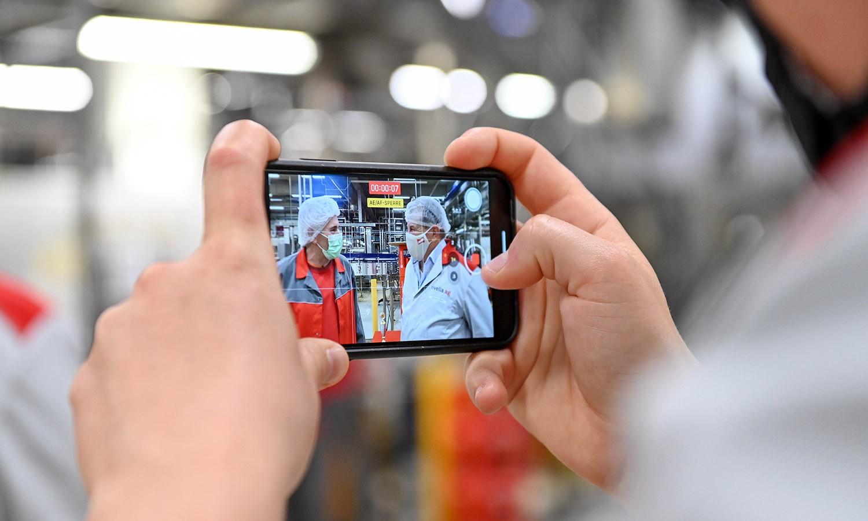Filmen, schneiden und posten mit dem Smartphone – das ist Smovie.